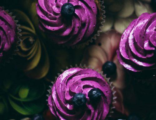 Karobovo-čučoriedkové cupcakes
