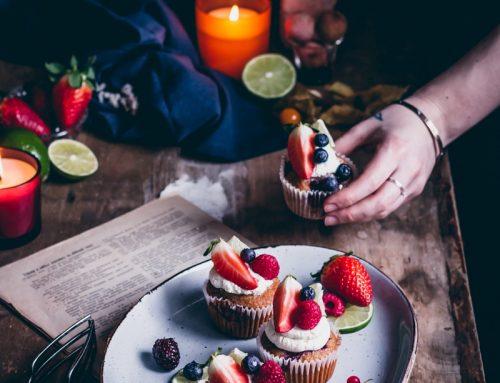 Jahodové cupcakes zo zásob